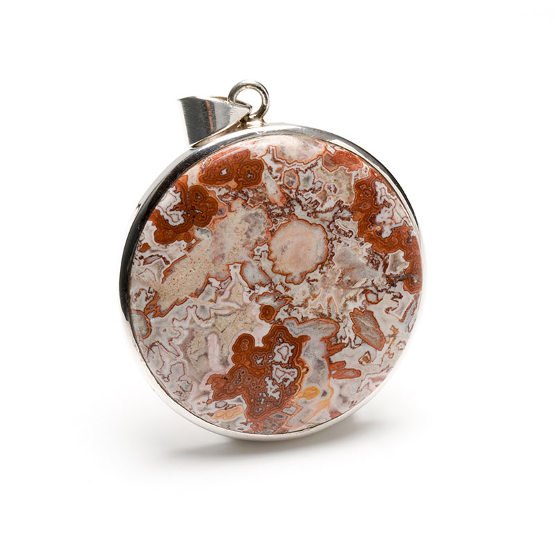round shaped ladies pendant featuring an agate gemstone crafted in sterling silver