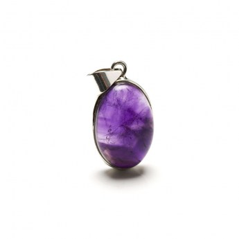 rich purple coloured amethyst pendant mounted in sterling silver