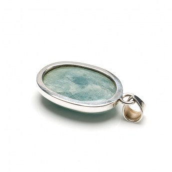 aquamarine gemstone pendant in a sterling silver setting