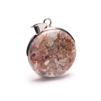 round pendant featuring an agate gemstone crafted in sterling silver
