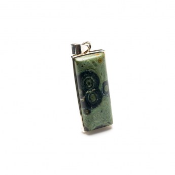 oblong shaped kambaba gemstone pendant crafted in sterling silver