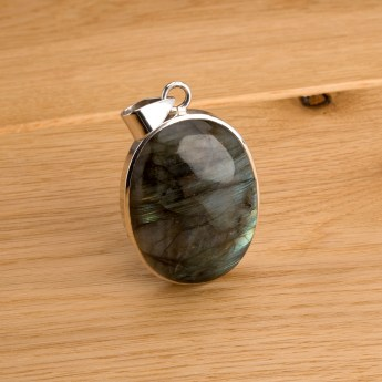 labradorite pendant crafted in sterling silver