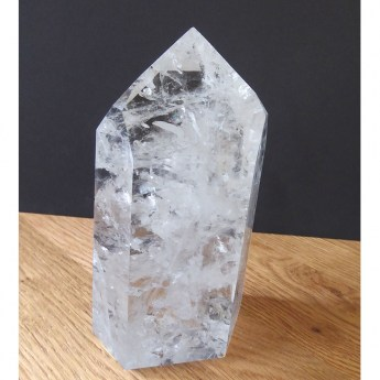 large quartz crystal point