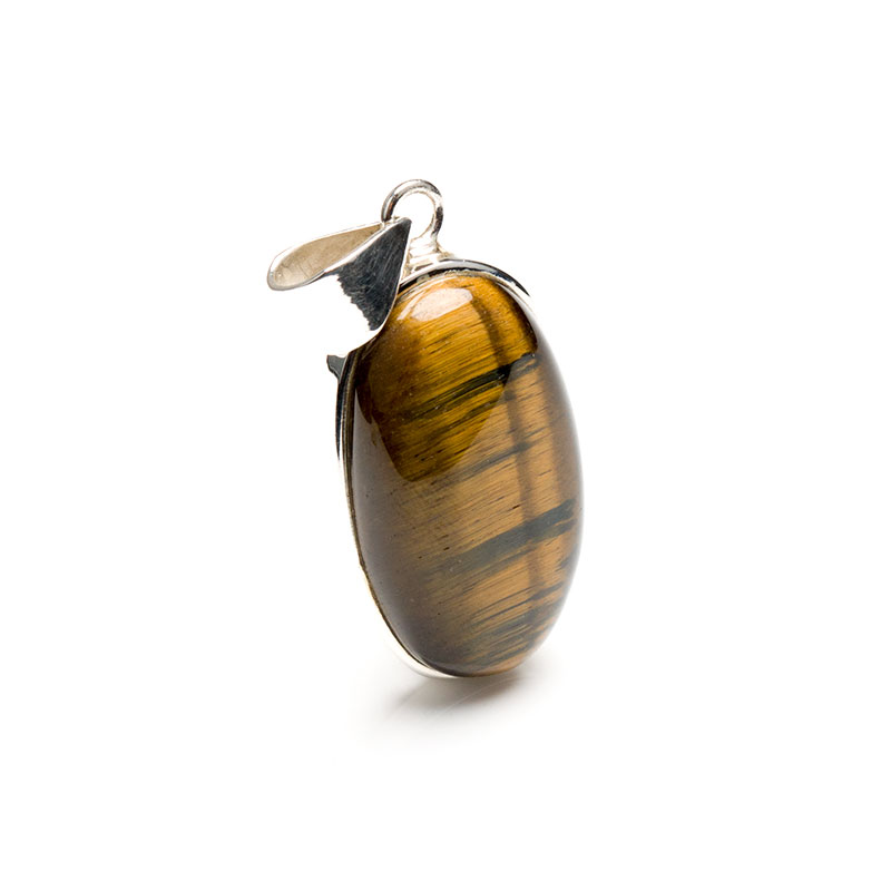 oval shaped tigers eye gemstone pendant crafted in sterling silver